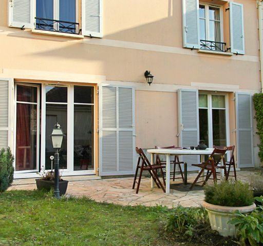 Maison Noisy Le Roi calme et lumineuse, 80m² avec jardin et garage